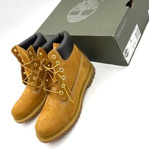 Woman's Timberland 6' Premium Construction Boot
